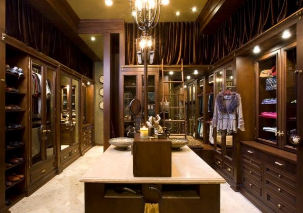 Traditional Wood Walk In Closet