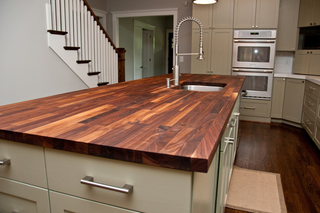 Delicieux Clean Natural Wood Countertops By Wiping Them Clean And Sanitizing Them  With A Mixture Of Vinegar And Water; You Can Also Occasionally Oil Wood  After ...