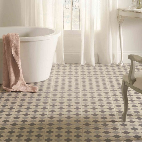 8 creative small bathroom ideas for Unusual bathroom flooring ideas
