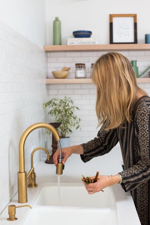 gold kitchen trends 2015
