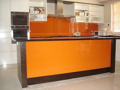 glass bright kitchen tile backsplash idea