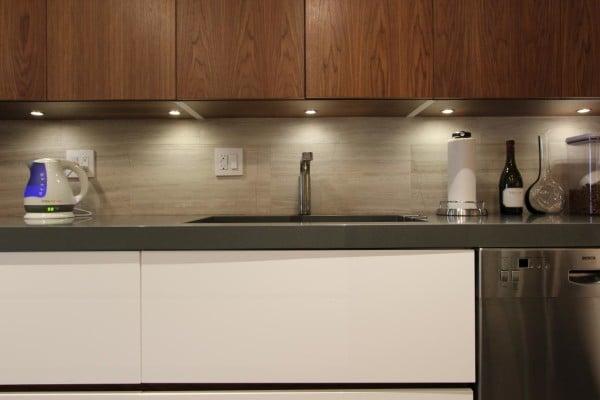 25 stylish kitchen tile backsplash ideas myhome design for Modern tile backsplash ideas for kitchen
