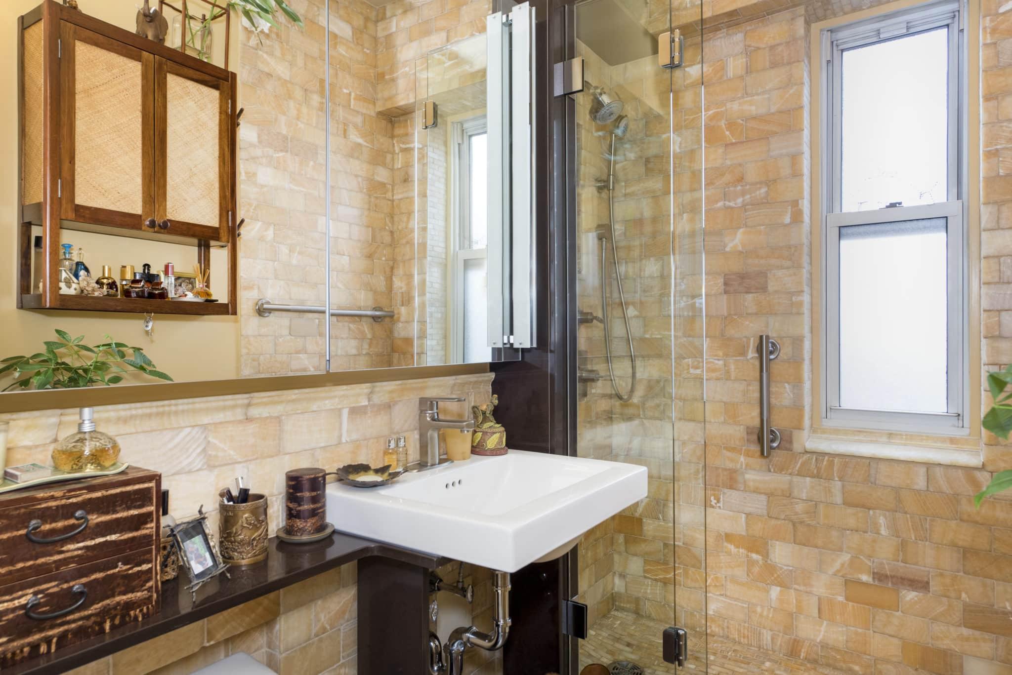 Six Hot Trends in Bathroom Vanities