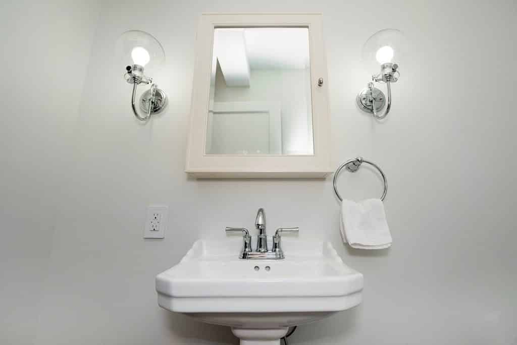 5 Low Budget Upgrades To Make Your Nyc Bathroom Amazing Myhome Design Remodeling
