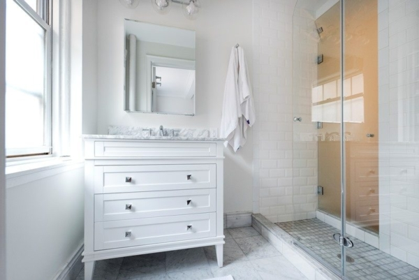 Design Your All-White NYC Bathroom Well