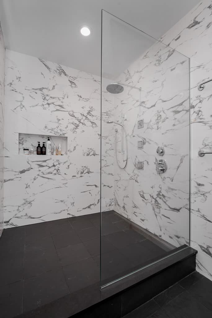 Reasons to Choose a Walk-In Shower