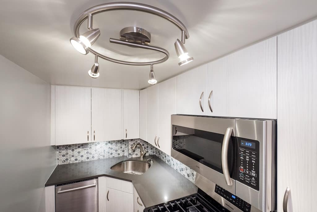 The Advantages and Disadvantages of Engineered Quartz