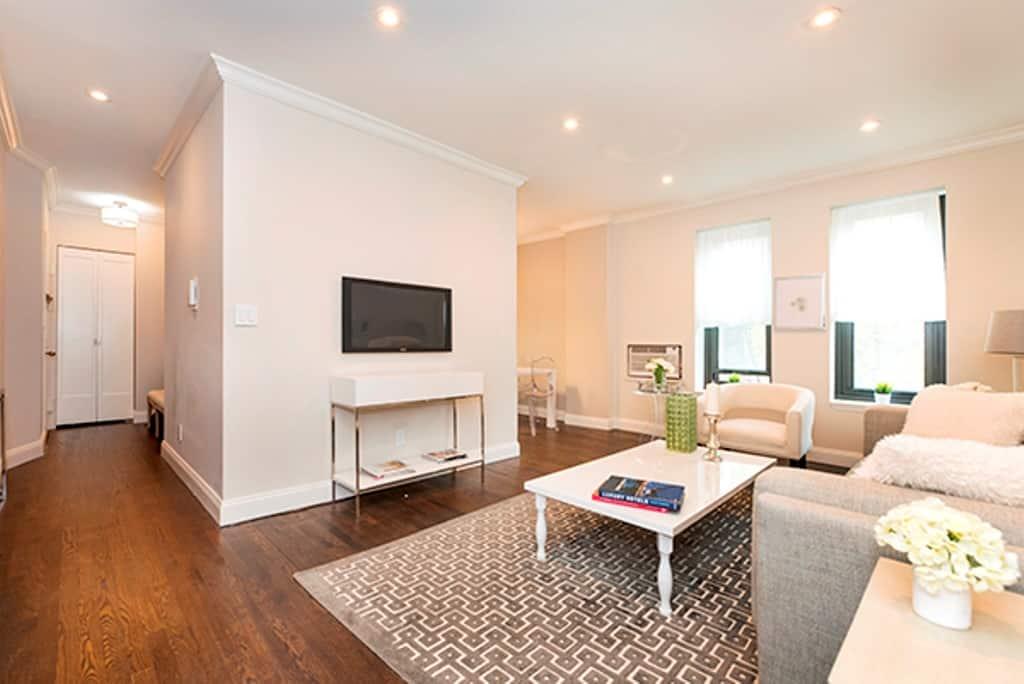 5 Diy Tips For Lavish Living Room Designs