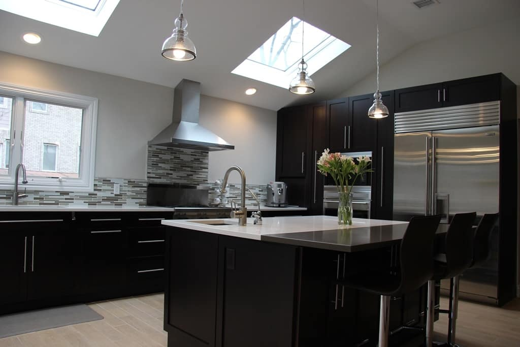 Designing Kitchen Islands with Natural Stone